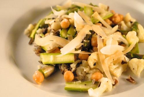 salad with asparagus, cauliflower, wild rice, and chickpea