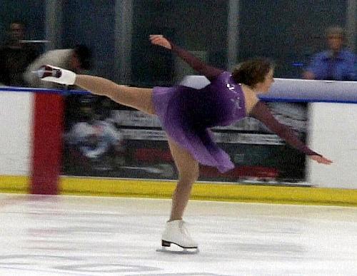 skating a back spiral