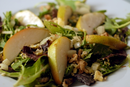 salad with pear, fennel and blue cheese