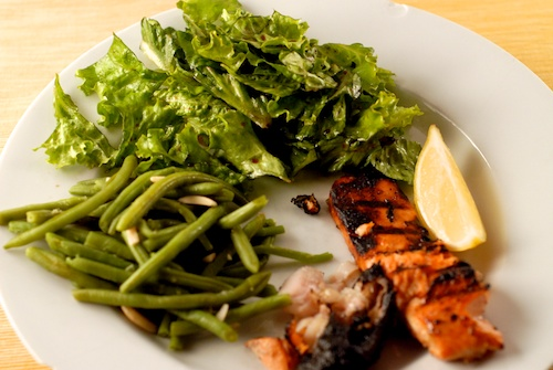 wild salmon, green beans, and green salad
